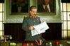 """И.В.Сталин читает газету """"Правда"""" (о безобразиях в современном государстве)"""